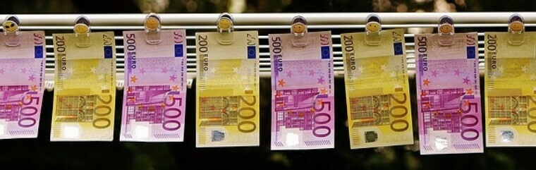 banknotes on the string